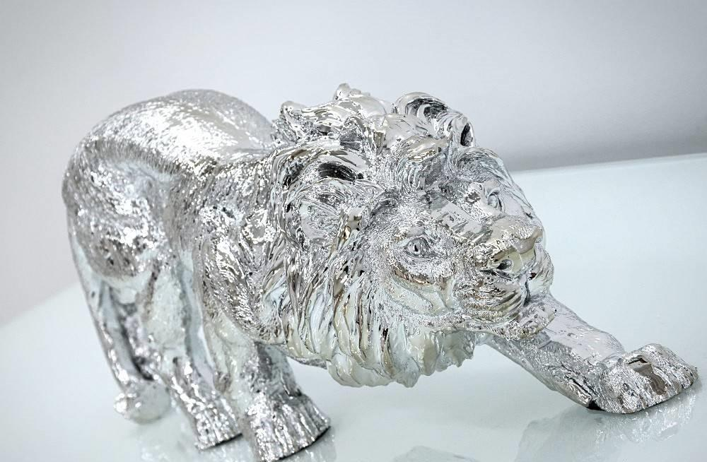 Figura lew srebrny