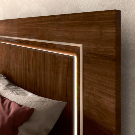 Włoskie łóżko 180 cm z...